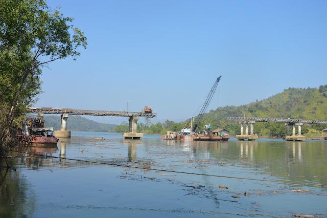 Pont cassé dans l'état Chin