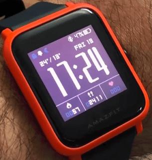 Na prvý a možno aj na ten druhý pohľad pripomínajú hodinky Amazfit BIP  slávne a drahé Apple Watch. Kvalitné sklo Gorilla Glass 3 sa na krajoch  zaguľacuje ... 8e14b28b5c1
