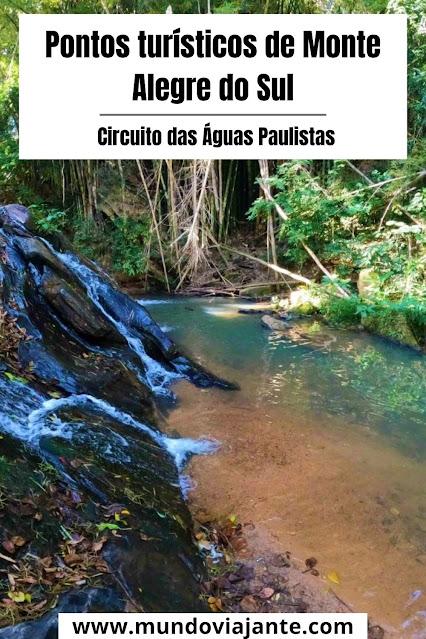 cachoeira com escoamento de agua pelas pedras