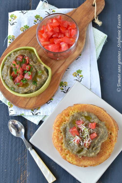 Petites crêpes à la farine de pois chiche et caviar d'aubergine