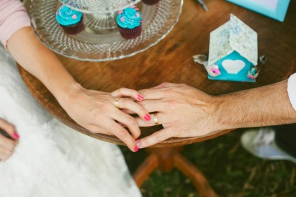 book-externo-bodas-papel-cenario-lindo-noivos-mesa
