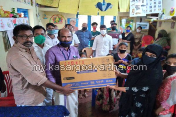News, Kerala, KSTA donated TV for Kizhur Padinhar anganvady