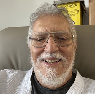 Humorista Carlos Alberto de Nóbrega é internado com Covid-19 em SP