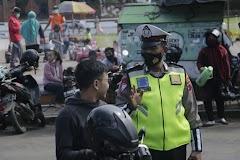 Petugas Gabungan di Batang  Gencar Operasi Yustisi dan Ingatkan Prokes ke Masyarakat