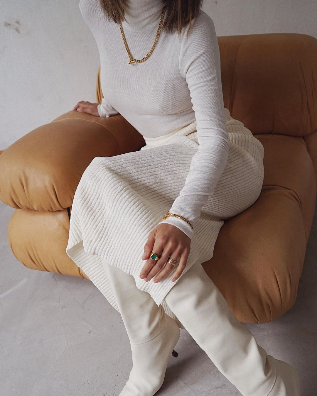 This All-White Outfit Is Too Good Not to Wear — Aimee Song Style