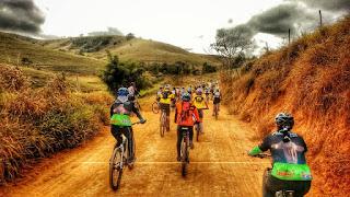 Foto da largada do Muriaé Bike Fest
