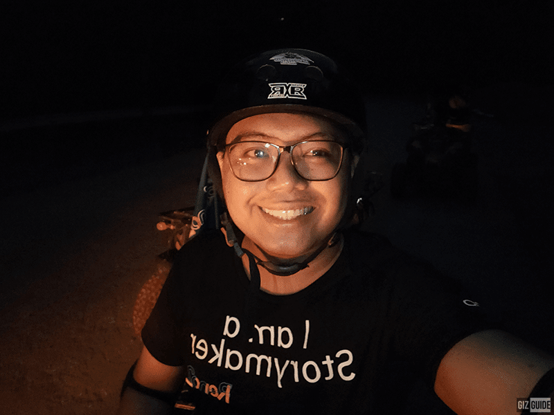 Selfie low light with flash
