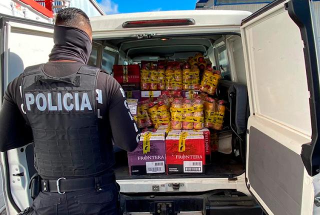 Allanan vivienda y bodegas por presunto contrabando de licores y su venta por medios digitales