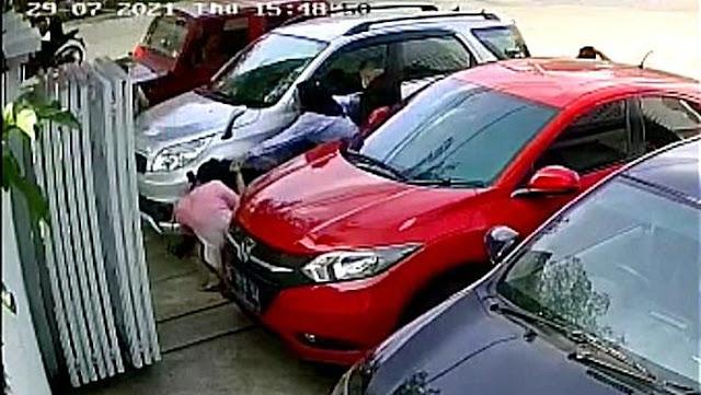 Viral Rekaman CCTV Istri di Makassar Tikam Selingkuhan Suami Bertubi-tubi