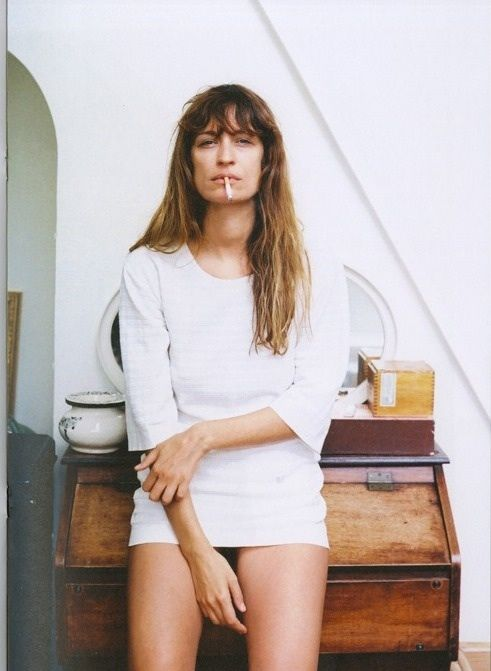 c4366b4871bb Caroline De Maigret is arguably the epitome of Parisian chic. Always  impeccably yet effortlessly dressed and hiding behind her messy fringe