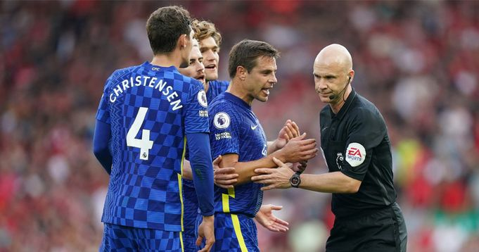 Chelsea fans blame Anthony Taylor for the draw against Liverpool