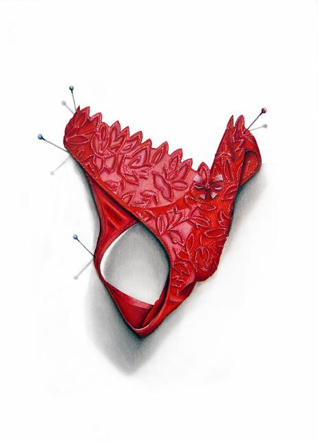 String rouge brodé d'un motif floral rouge proposé par Eva