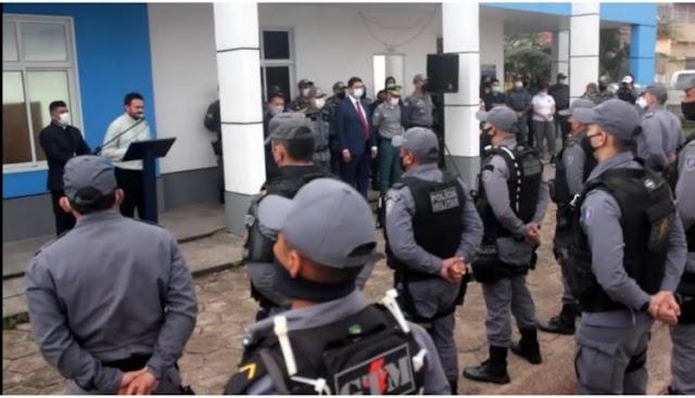 SECRETÁRIO DE SEGURANÇA EMPOSSA NOVO COMANDANTE NA REGIÃO DO POLO-COROADINHO