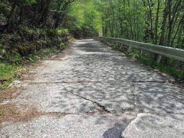 クリスタルライン コンクリート路面