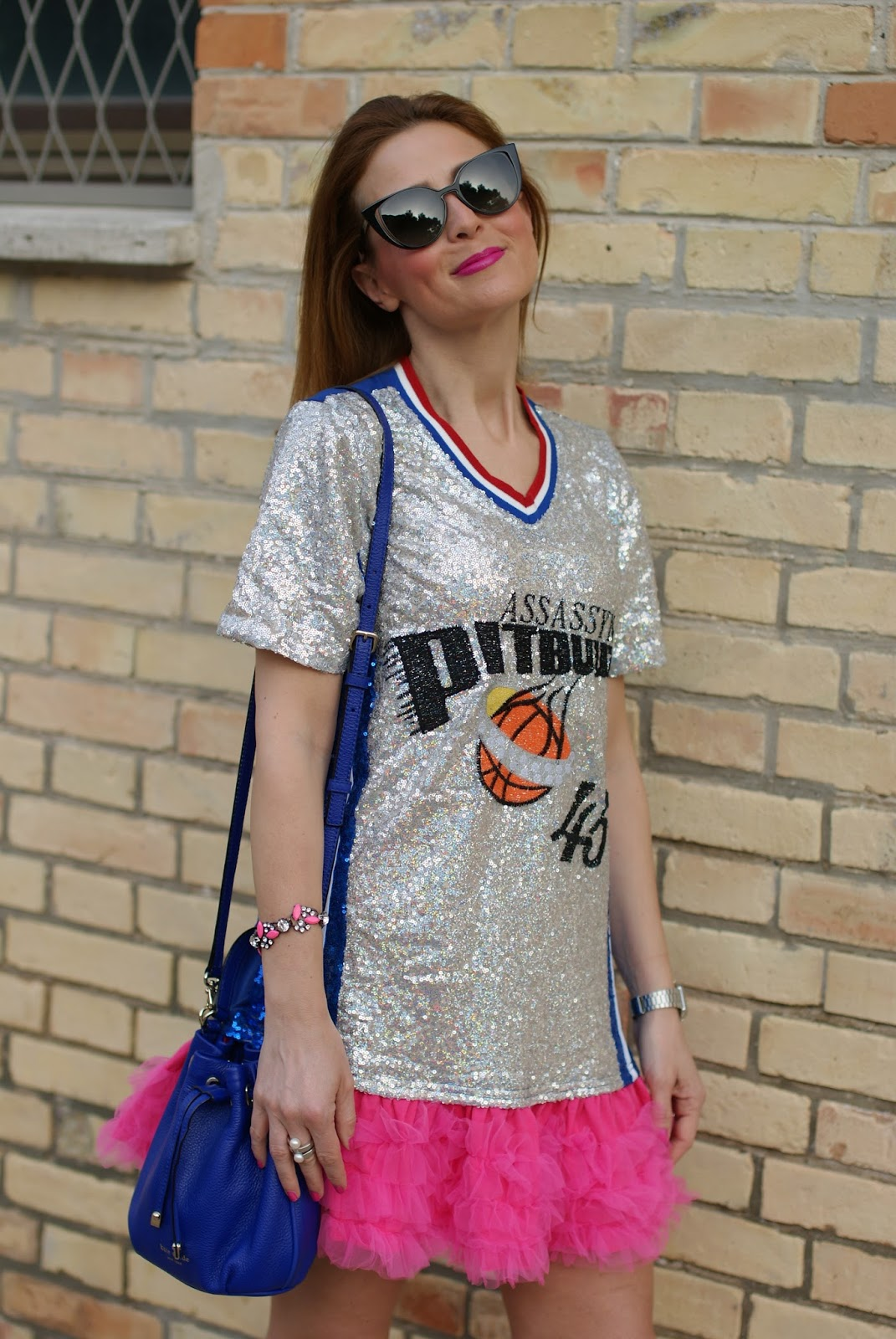Pitbull sequin dress and Kate Spade bucket bag on Fashion and Cookies fashion blog, fashion blogger