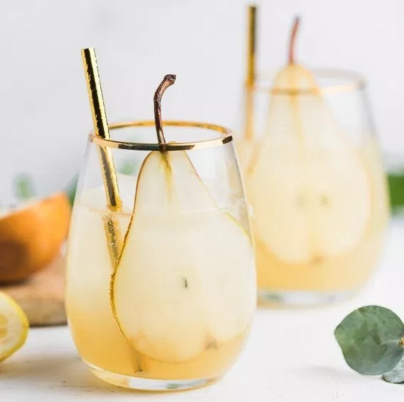 PEAR & GINGER SPARKLERS #drinks #coktails
