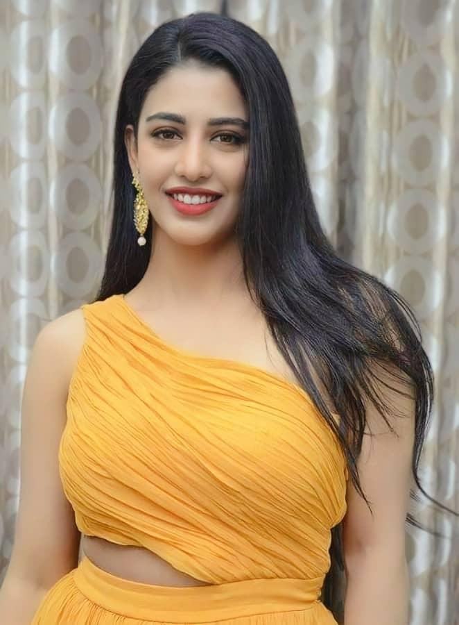Daksha Nagarkar Photos New