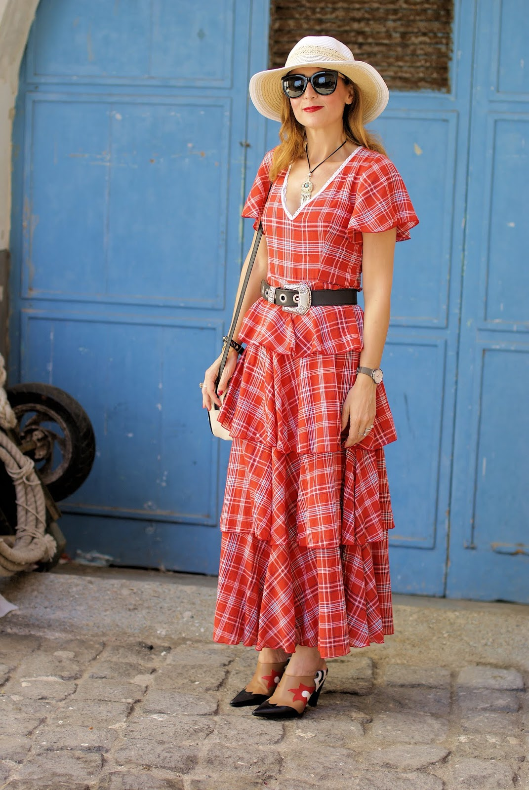 Checked ruffled maxi dress: the perfect summer country chic piece on Fashion and Cookies
