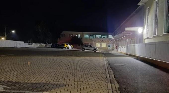 Ladrão é morto por policial após tentar assaltar mulher dentro de colégio no Paraná