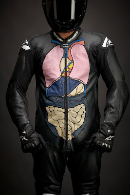 Diseño de traje de motociclista