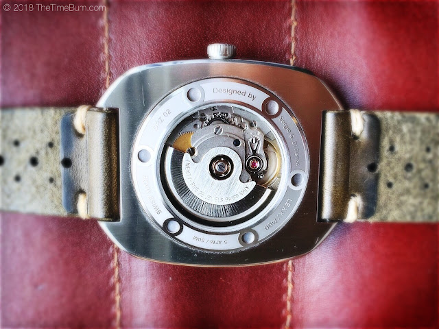 DiRenzo DRZ 02 case back movement