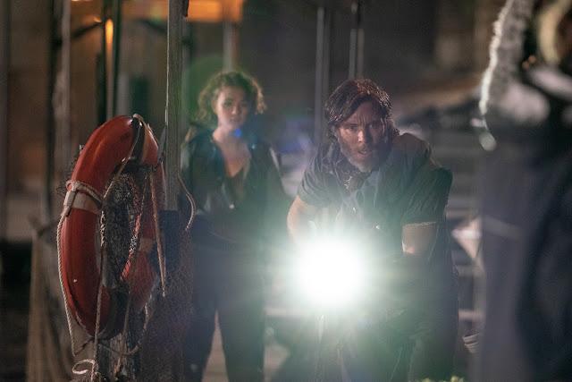 Millicent Simmonds e Cillian Murphy em UM LUGAR SILENCIOSO - PARTE II