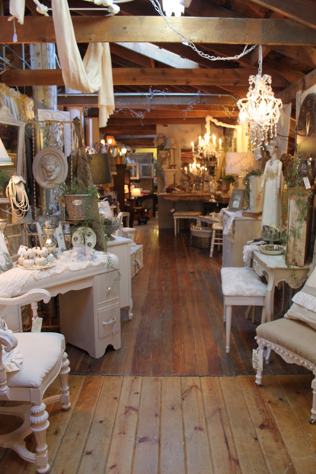 Shabby Chic Shop Vintage Sparkle Chic: Shabby, White And Shopping