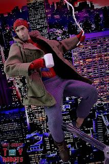 MAFEX Spider-Man (Peter B Parker) 02