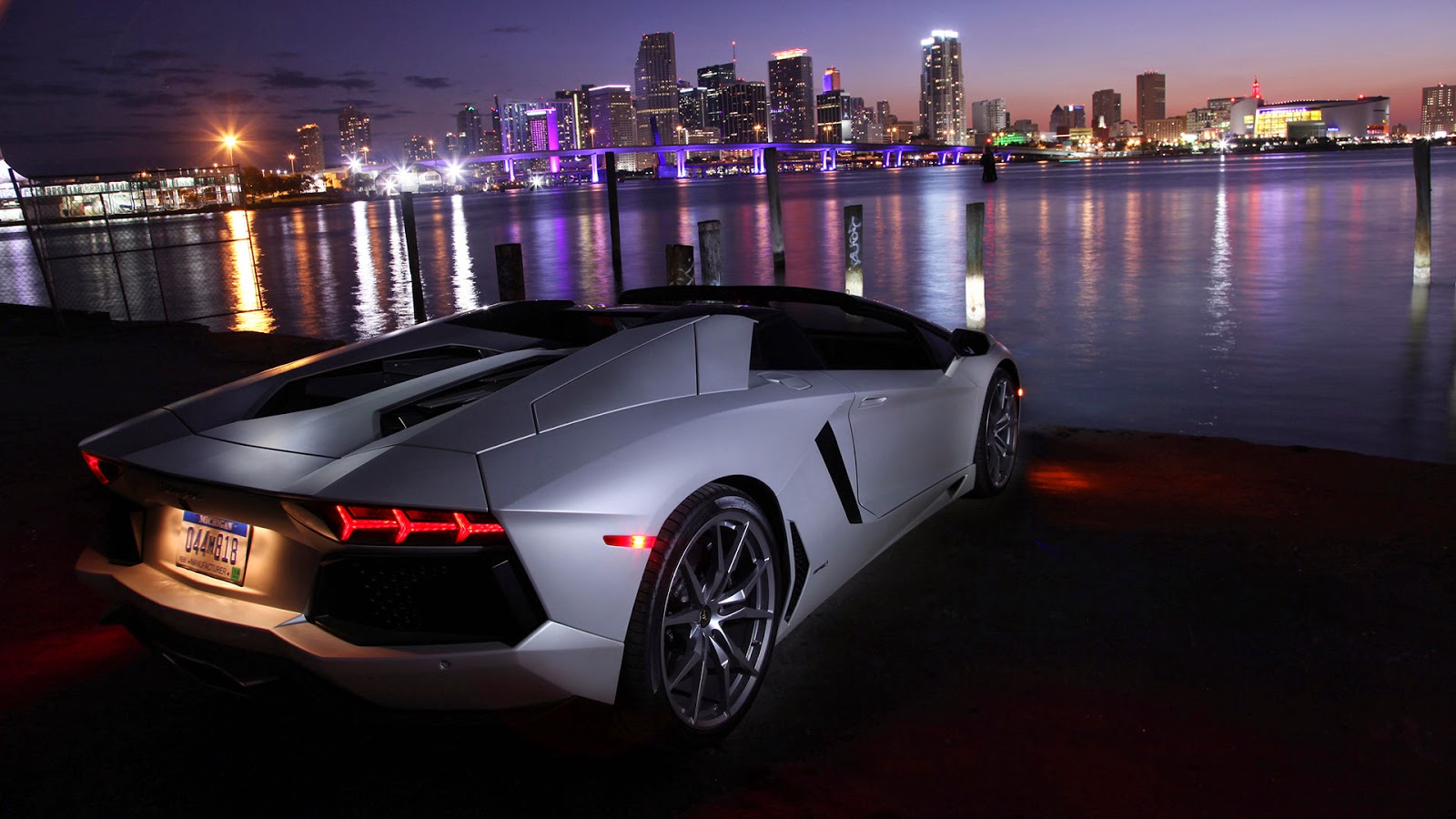 lamborghini aventador lp700-4 roadster 2013 hd car wallpaper ! car