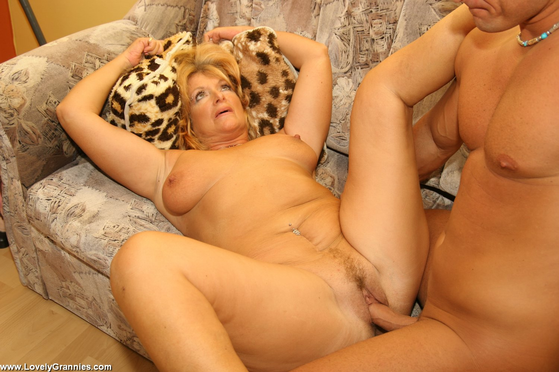 смотреть порно с красивыми бабушками