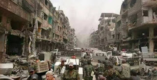Tanpa Malu, Tentara Syiah Suriah Lakukan Penjarahan di Kamp Yarmouk