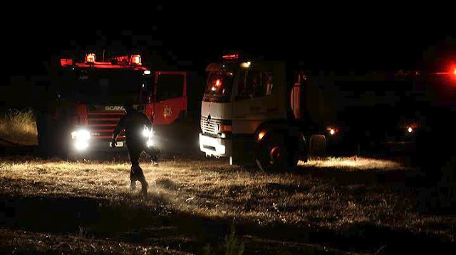Επιχείρηση της πυροσβεστικής και εθελοντών για τον απεγκλωβισμό 4 ατόμων από απόκρημνο σημείο