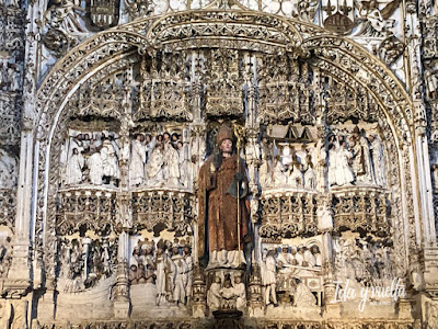 San Nicolás retablo de piedra