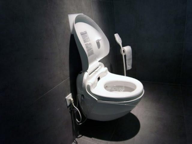 kotor dari toilet, benda kotor dari mangkuk tandas, mangkuk tandas kotor, tombol pintu kotor, sinki dapur kotor, suiz lampu kotor