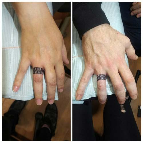 wedding ring finger tattoo for couples çiftler için yüzük parmağı dövmeleri 5