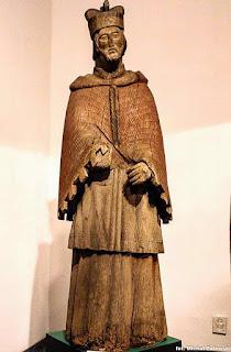 Ludowa rzeźba św. Jana Nepomucena z XIX w. z Golanki, Muzeum Kultury Kurpiowskiej w Ostrołęce