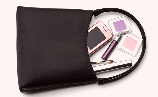 The 10 Beauty Products Every Woman Should Have in The Bag