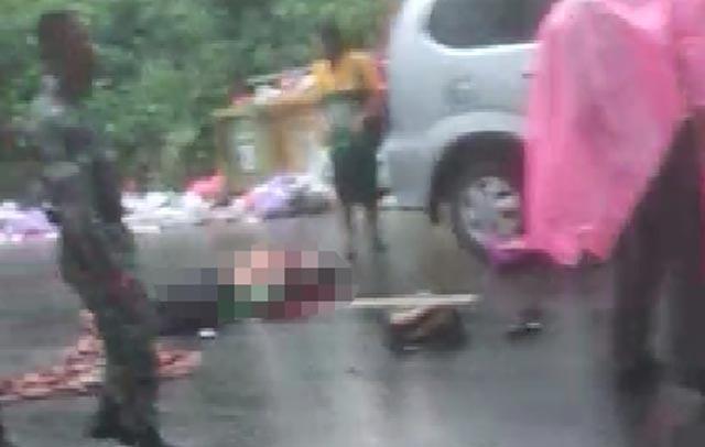 Satu keluarga, seorang ayah, ibu dan satu anaknya terkapar di Jl Ir P.M Noor Sungai Ulin, Banjarbaru, Kamis (7/2/2019) sekira pukul 11.45 Wita. Ketiganya merupakan korban kecelakaan lalu lintas.