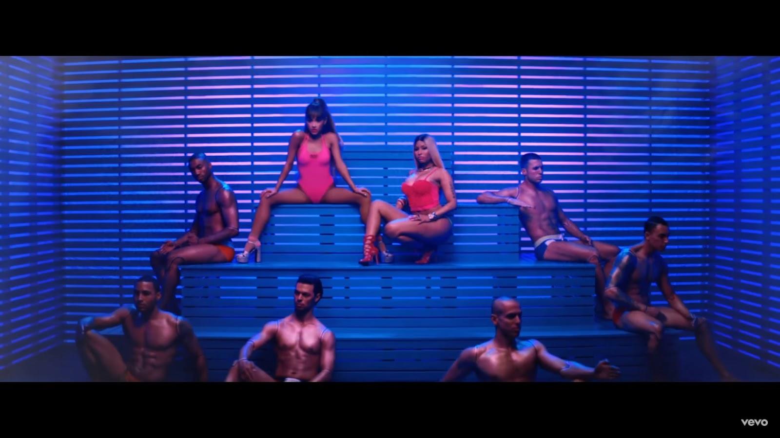 Ariana Grande - Side To Side ft. Nicki Minaj | 365 Days With Music