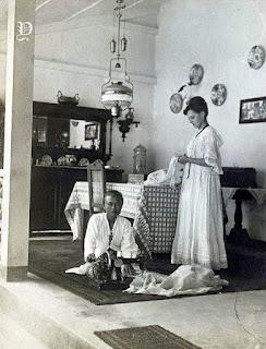 Foto Jadoel Pembantu Rumah Tangga Orang Belanda Tahun 1913