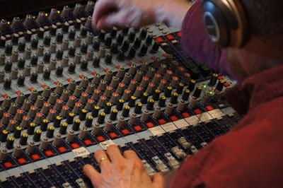 Sound system band Sederhana Untuk lapangan