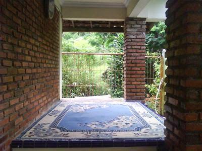 Villa disewakan di puncak dekat perkebunan teh ada kolam renang dan Fasilitas lengkap