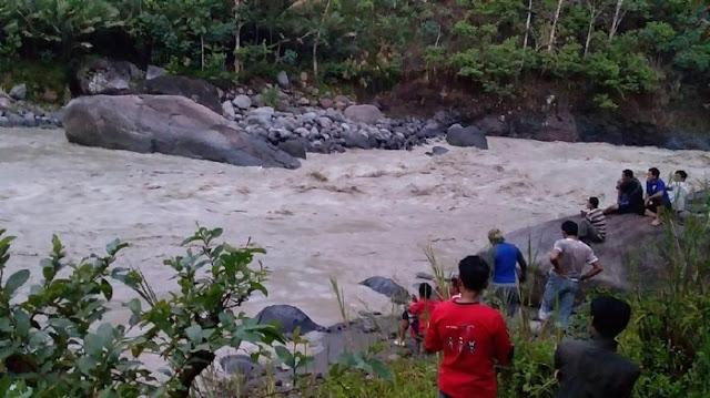 3 Perempuan di Bonder Praya Barat Lombok TengahTerseret Arus Saat Mandi di Sungai