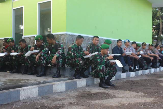 HUT TNI ke-74, Kapolres Beri Kejutan Personel Kodim 1415 Selayar