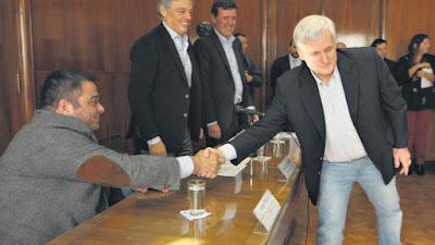 La mano que hizo fracasar la negociación
