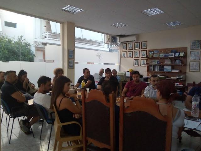 Ετοιμάζονται οι καταστηματάρχες του Ναυπλίου για τη Λευκή Νύχτα