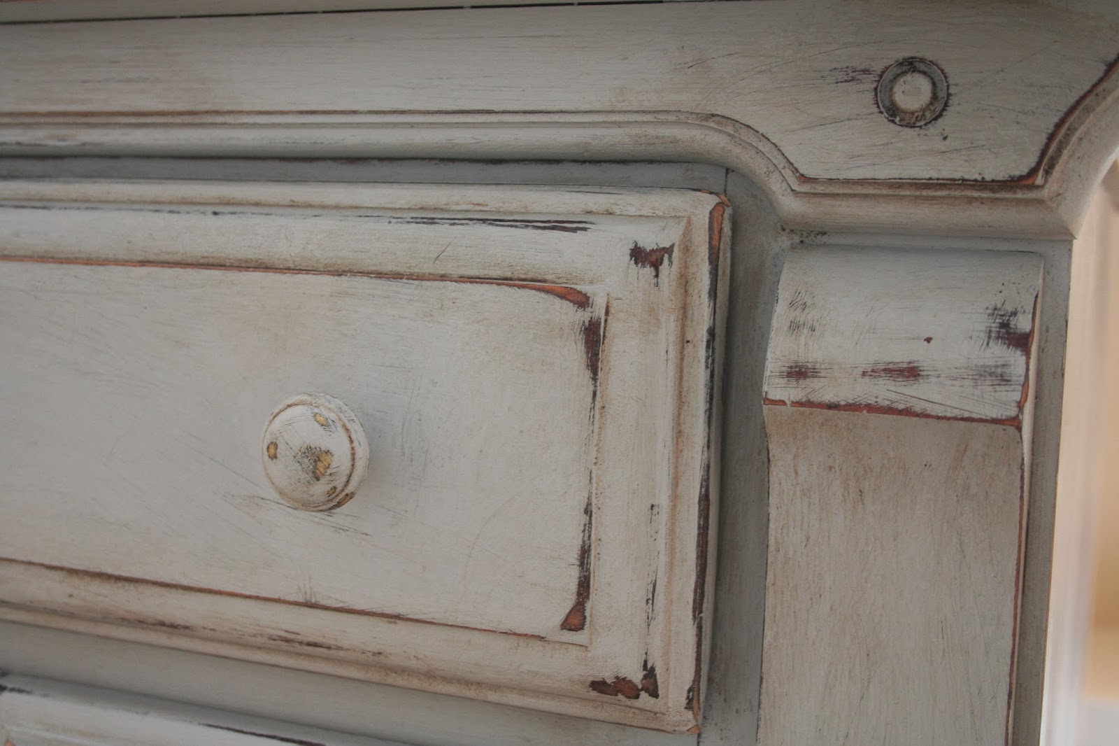 Painting Kitchen Cabinets With Annie Sloan Pretty Distressed Annie Sloan Chalk Paint I Die