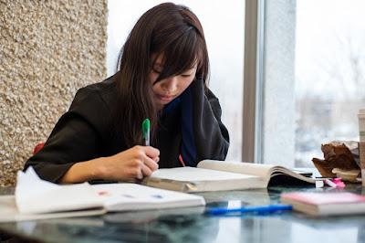 Contoh Soal Menentukan Informasi Tersurat Teks | Ujian Nasional 2019/2020