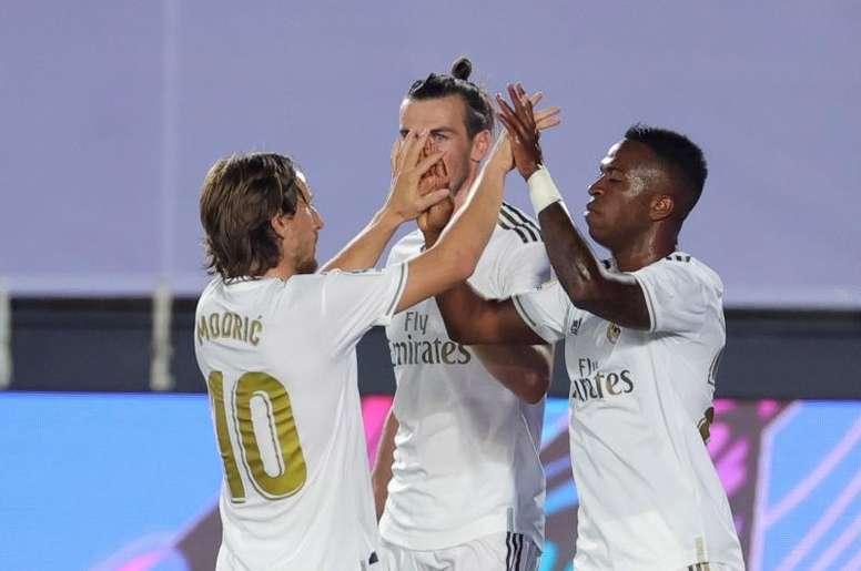 تمكن زيدان من مشاركة الدقائق بأفضل طريقة بعد الكسر الذي فرضته COVID-19. أعطى المدير الفرنسي وقت المباراة لـ 21 من أصل 22 لاعبًا متاحًا في ريال مدريد في أول 4 مباريات ...