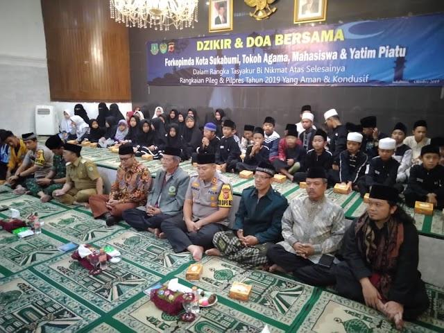 Harapkan Kota Sukabumi Tetap Kondusif Paska Pileg dan Pilpres, Forkopimda, Tokoh Agama, Mahasiswa dan Yatim Piatu Lakukan Dzikir dan Do'a bersama